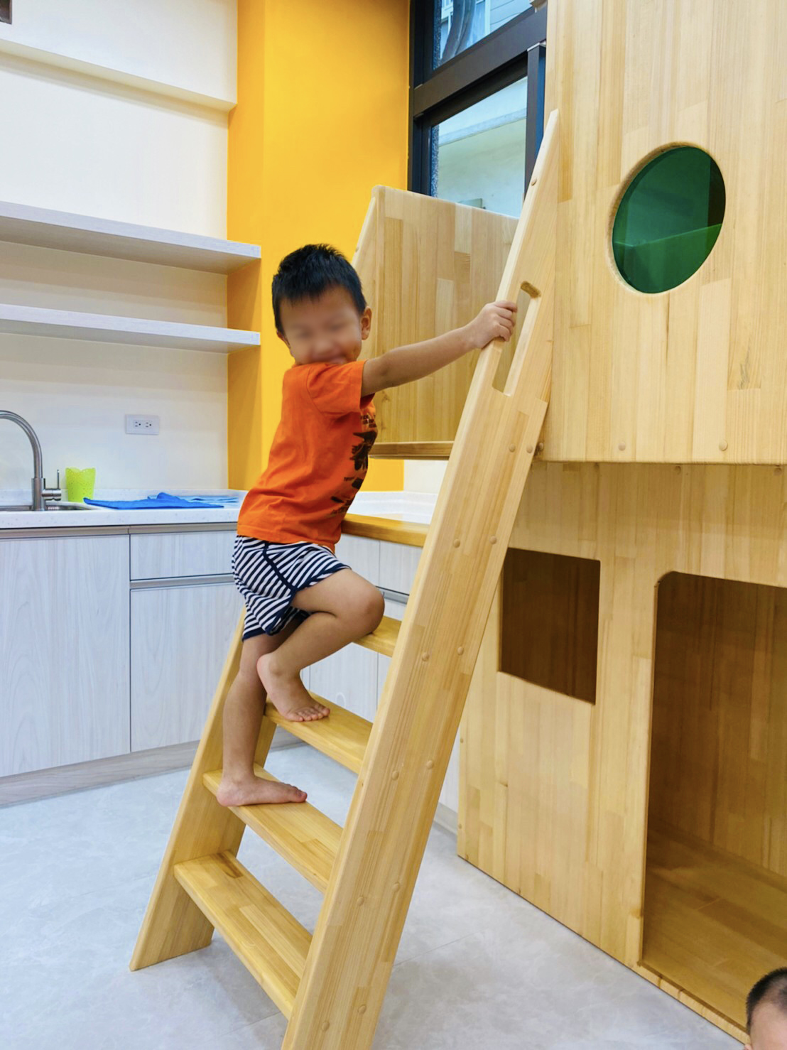 讓孩子開心玩耍的小樹屋